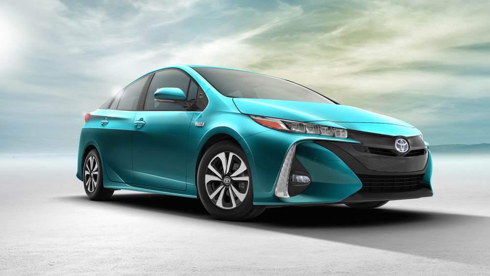 2017_Toyota_Prius_Front Side