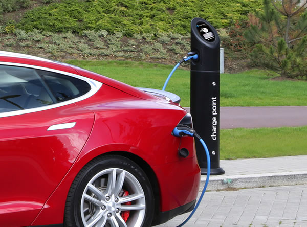 Tesla model s charging using an EV charging cable Type 2 to Type 2