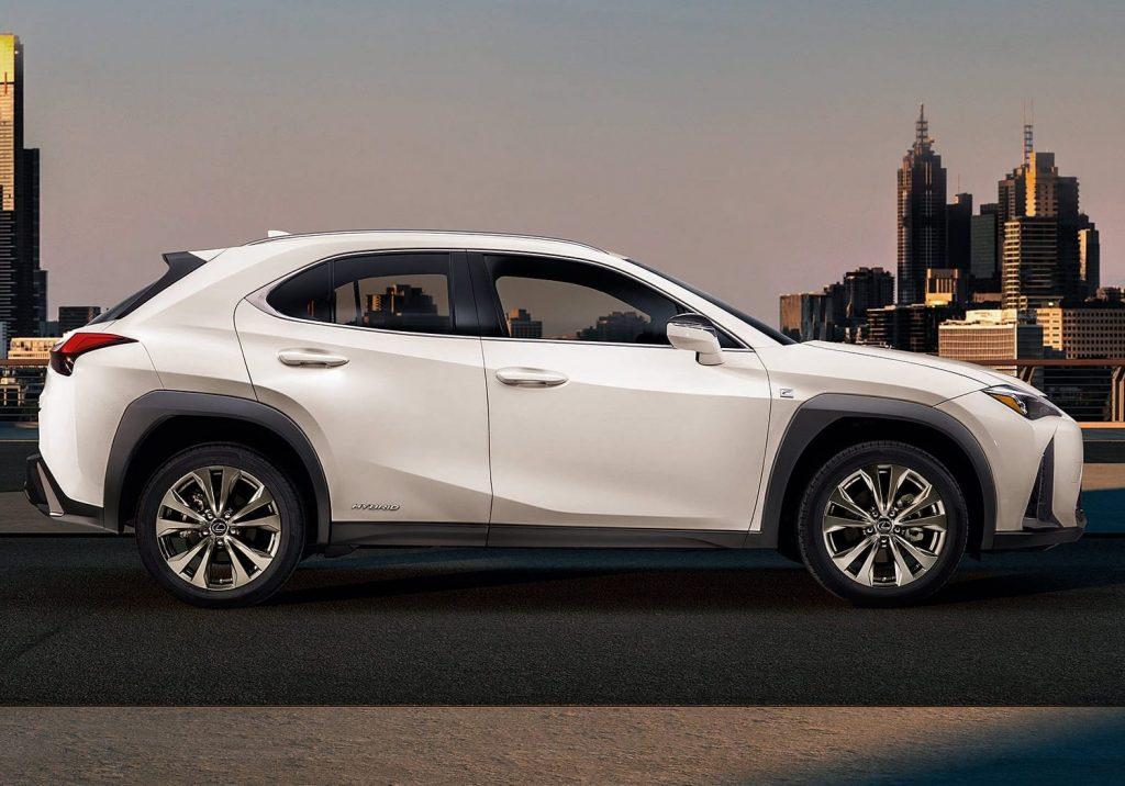 02-Lexus-FCV-UX-LEX-UXV-CY18-0004_2000x1100-landscape